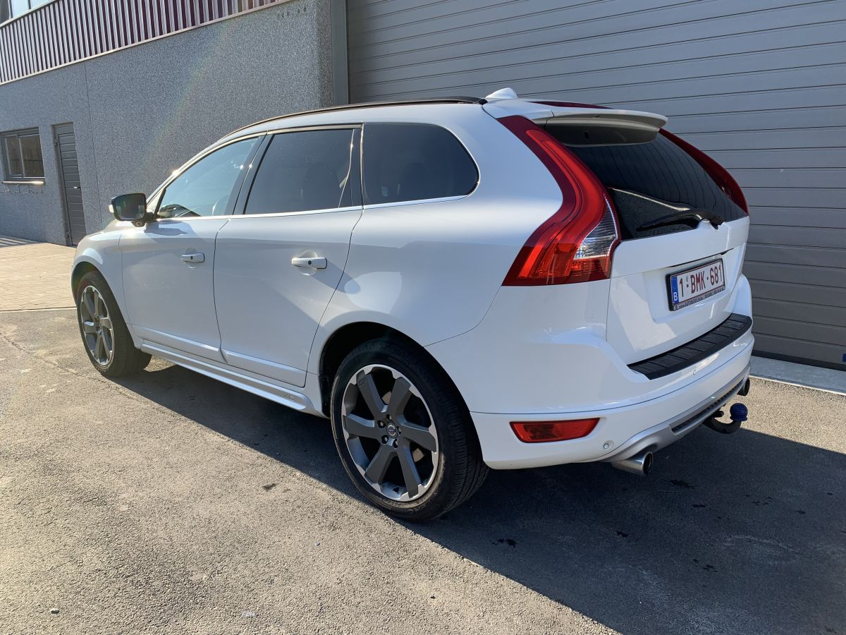 PK Motors Volvo XC60 2.4 D3 AWD R-design Geartronic FULL OPTIONS (235 PK)